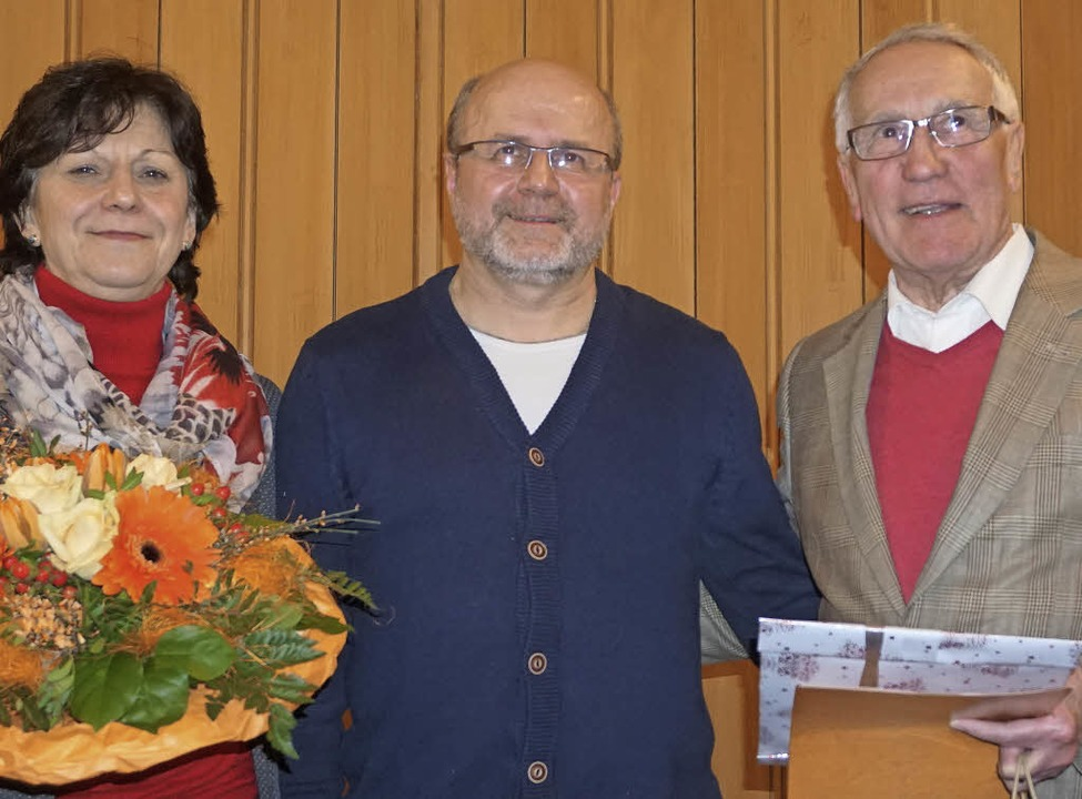 Je 30  Jahre waren Lioba Bartholomä  u...sch ernannte sie zu Ehrenmitgliedern.   | Foto: h. Häringer
