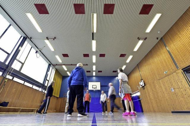 Stadträte im Bauausschuss fordern rasche Sanierung von Freiburgs maroden Hallen