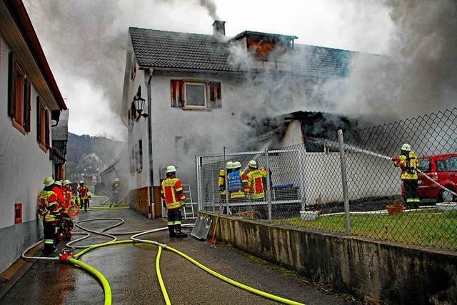 Wohnhaus durch Feuer total zerstört