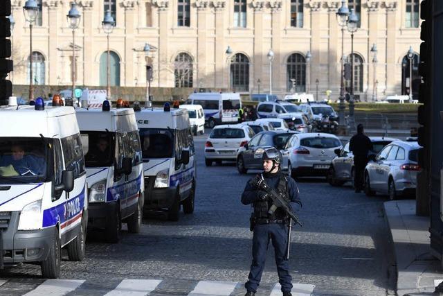 Terrorverdacht nach Angriff auf Soldaten am Louvre