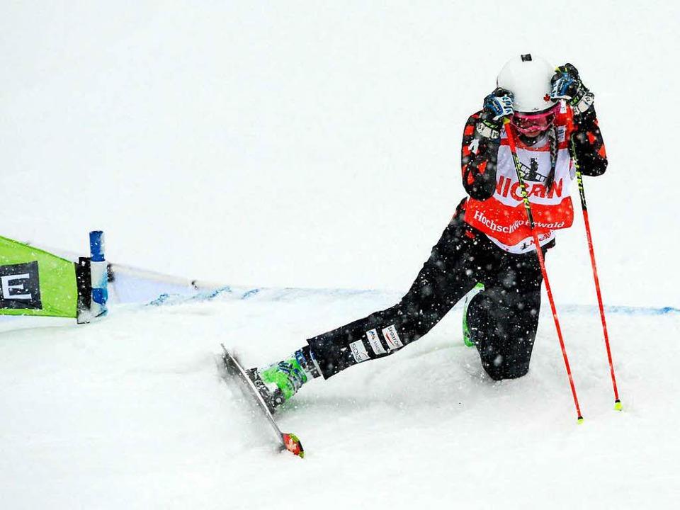 Die im Weltcup führende Marielle Thomp...ürzte und musste verletzt ausscheiden.  | Foto: dpa