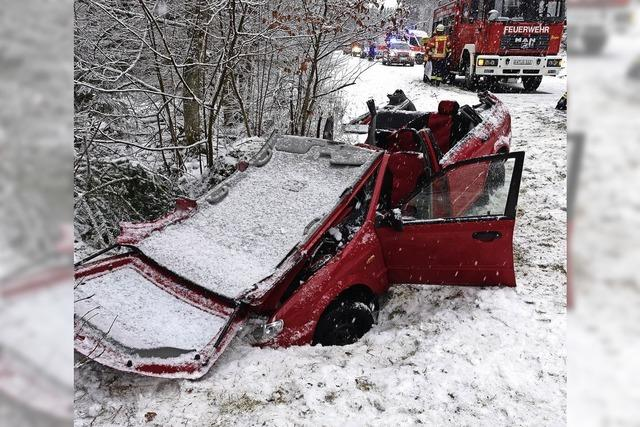 Feuerwehr rückt zu Unfall aus