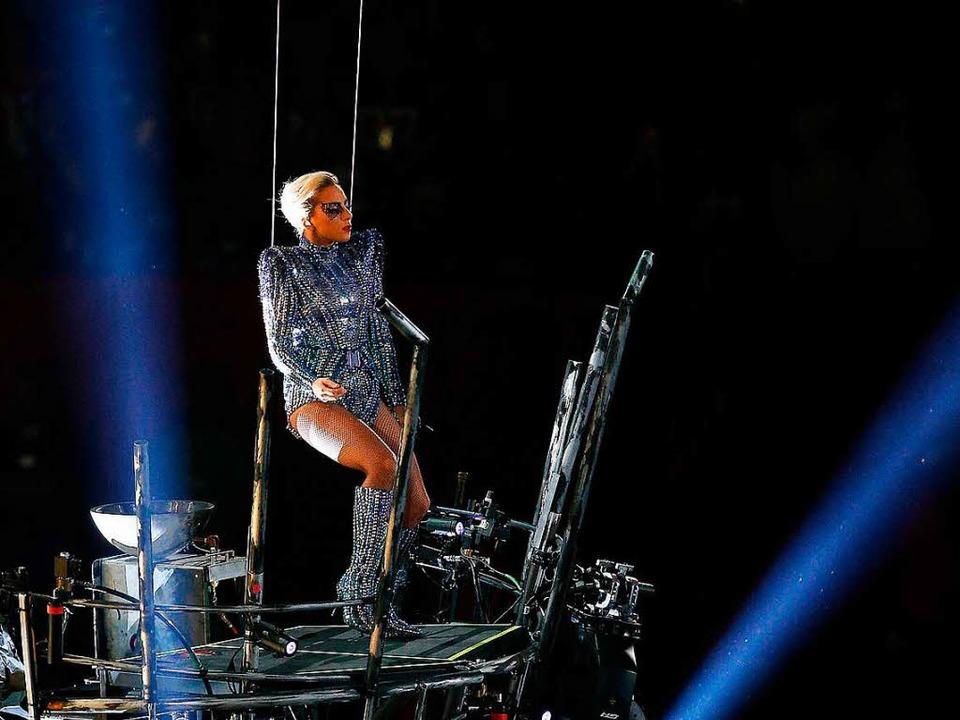 Lady Gaga beim Football-Finale Super Bowl  | Foto: AFP
