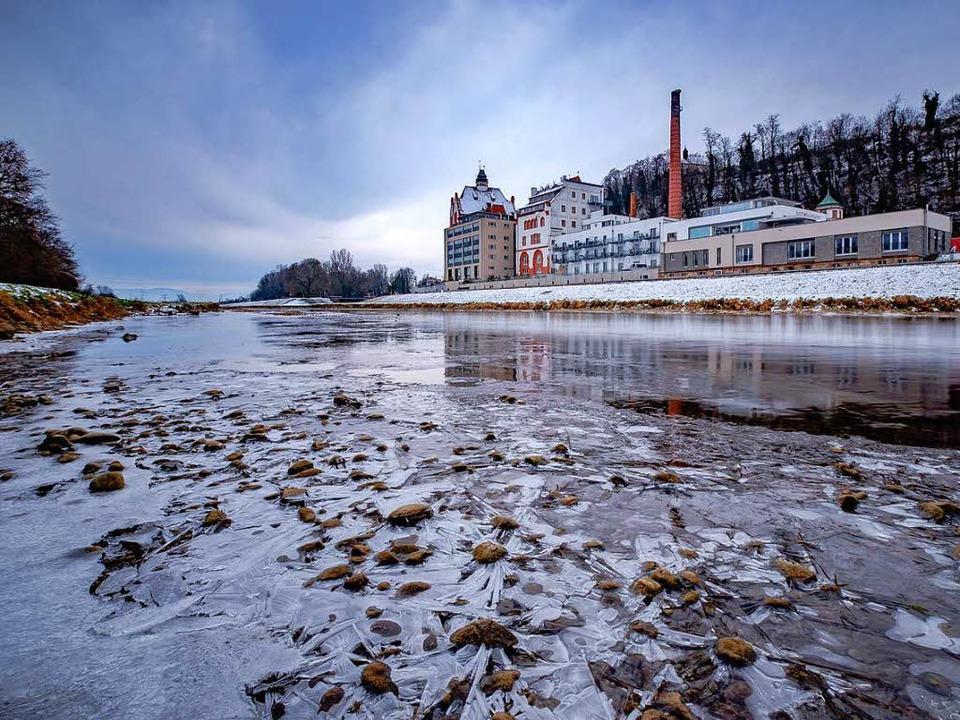 Auch die Elz bei Riegel hat derzeit Niedrigwasser.  | Foto: André Heid