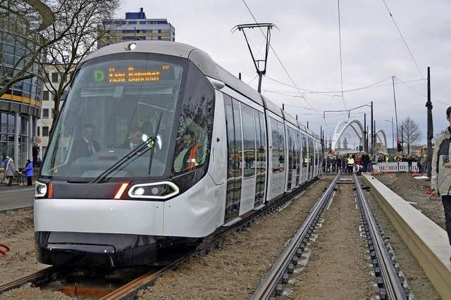 Tram meistert Testfahrt übern Rhein