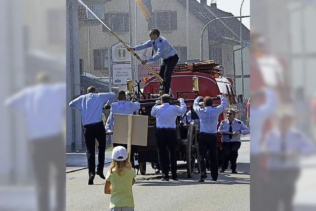 Feuerwehr hilft Helfern