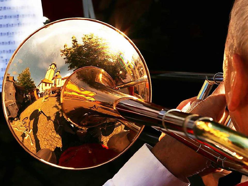 165.000 aktive, organisierte Blasmusiker gibt es im Land Baden-Württemberg.  | Foto: DPA