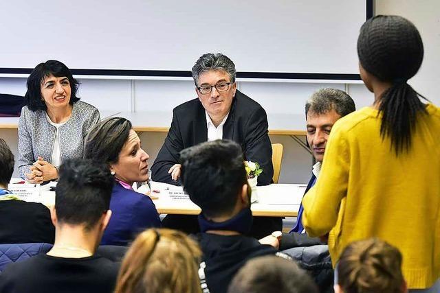 Muhterem Aras sprach mit Schülerinnen und Schülern über Heimat und Integration