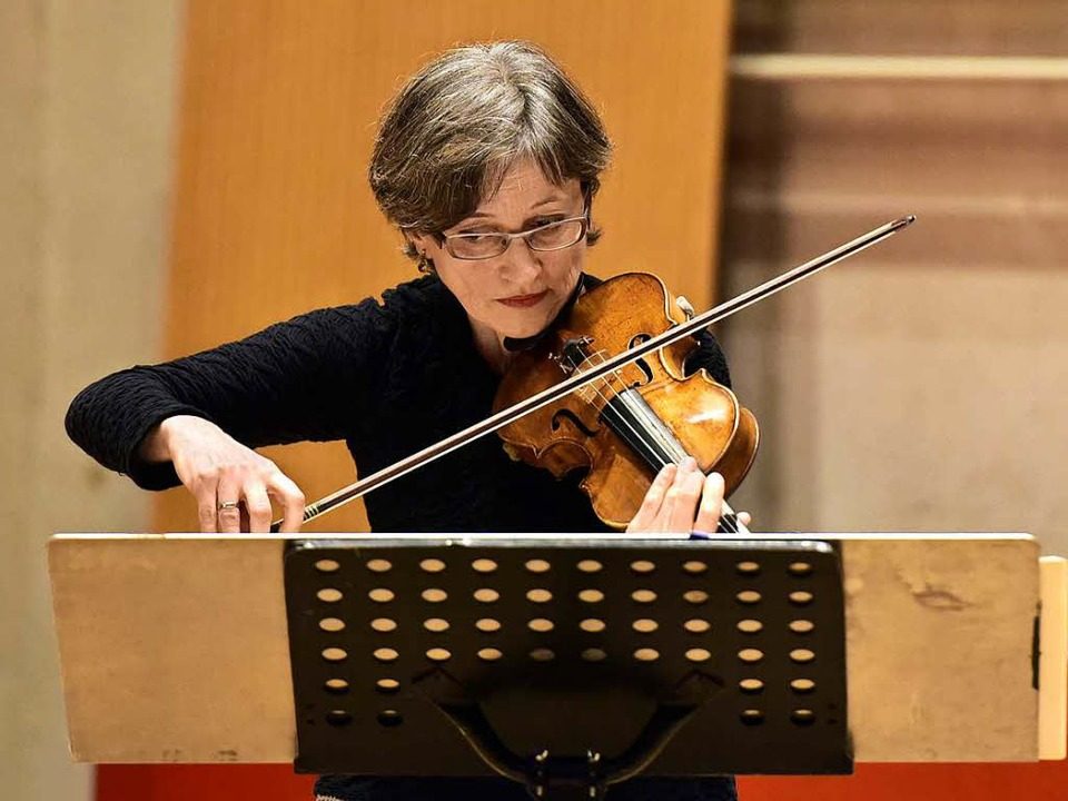 Melise Mellinger spielt ein Stück, das ihr gewidmet wurde<ppp></ppp>  | Foto: Thomas Kunz