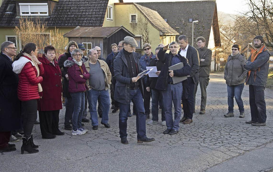 Besichtigung der Seilergasse in Laufen mit zahlreichen Interessierten     Foto: Volker Münch