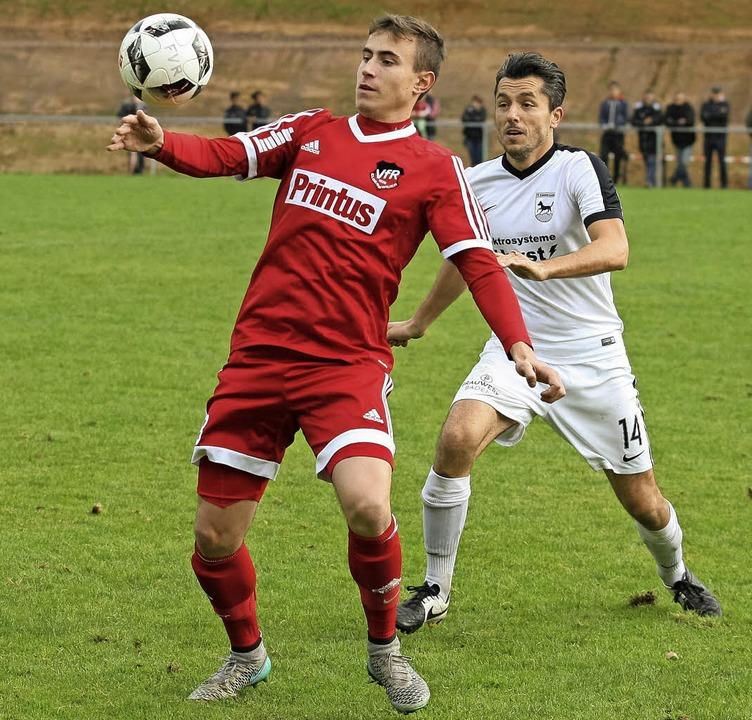 <BZ-FotoAnlauf>FuSSball-Bezirksliga: <... Spielertrainer beim FV Rammersweier.   | Foto:  Alexandra Buss