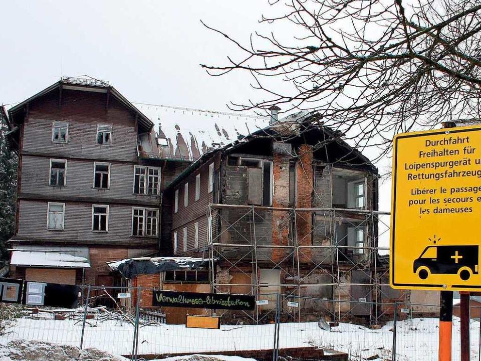 Dieses Hotel am Hundseck ist verfallen.   | Foto: DPA