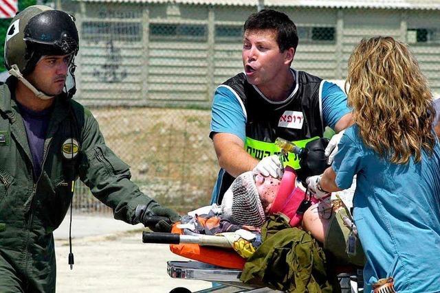 Palästinenser verletzt vier Menschen bei Tel Aviv
