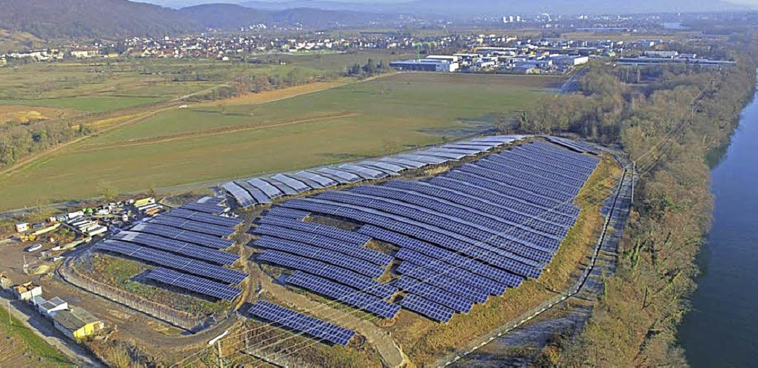 Der Solarpark aus der Vogelperspektive   | Foto: EWS