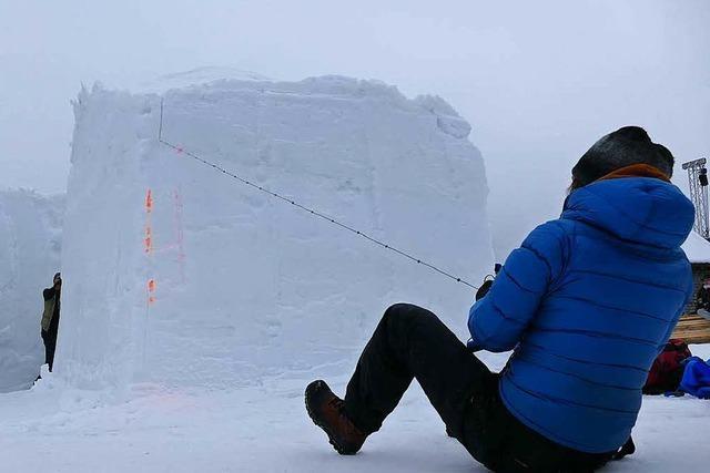 Schneeskulpturenfestival: Künstler sind in Aktion zu sehen