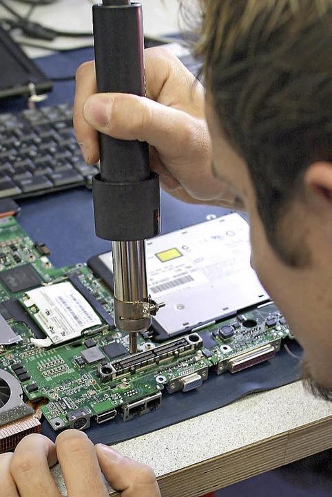 Ist hier noch 'was zu machen? Versuch einer Reparatur.   | Foto: Foessel