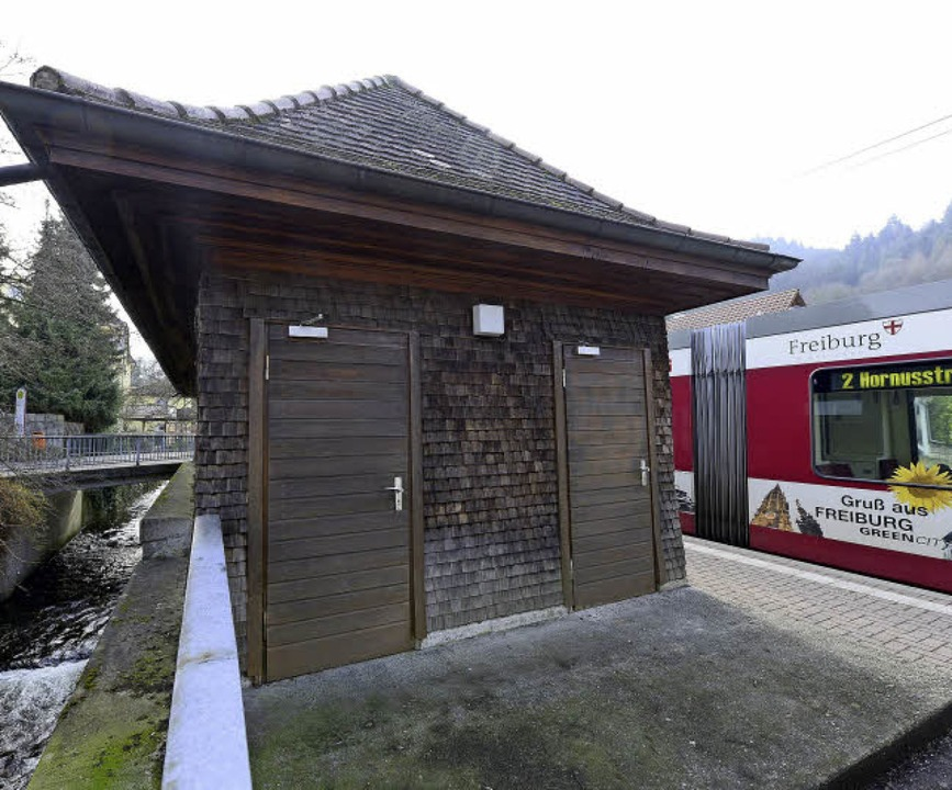 Die Toilettenanlage an der Endhaltestelle ist stillgelegt.   | Foto: Ingo Schneider