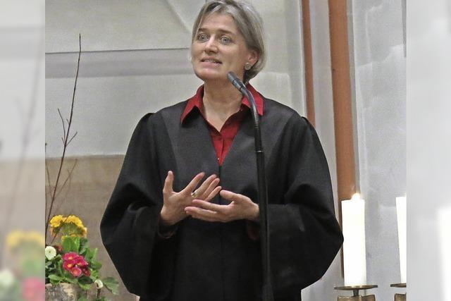 Irene Leicht in ihr Amt als neue Pfarrerin eingeführt
