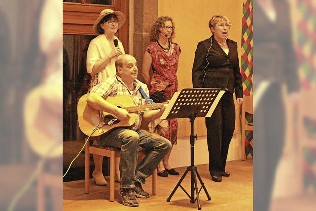 Drei singende Damen mit einem