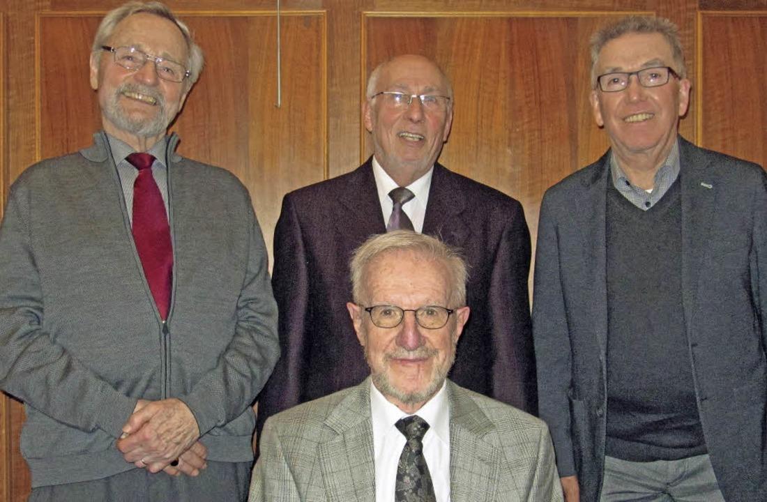 <BZ-FotoAnlauf>Chor 72: </BZ-FotoAnlau...Jürgen Sinz (v.l.); Walter Joos fehlt.  | Foto: Chor