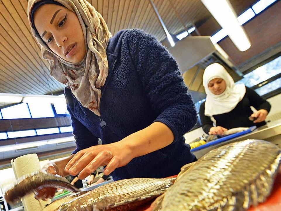 Manal Nassef und die Fische.    Foto: Michael Bamberger