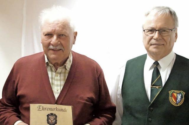 Walter Bleier ist Ehrenmitglied bei den Schützen