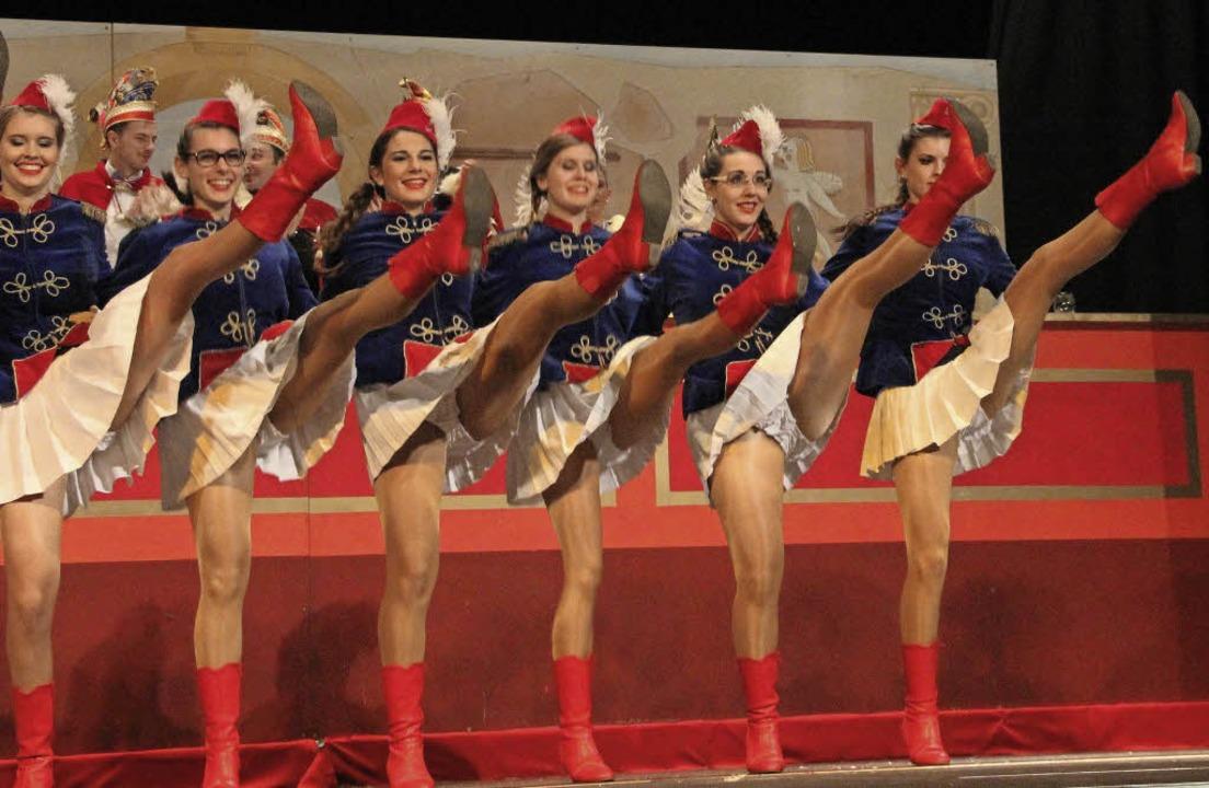 Die Beine hoch: Nicht nur die Prinzeng...auf  die närrische Jubiläumskampagne.   | Foto: Sabine Model