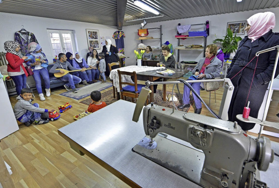 Nähen, Kochen, Kennenlernen: Die neue Nähwerkstatt bietet dafür viel Platz.  | Foto: Michael Bamberger
