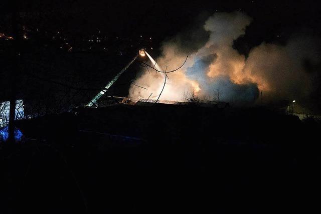 Großbrand in ehemaligem Fabrikgebäude bei Waldshut
