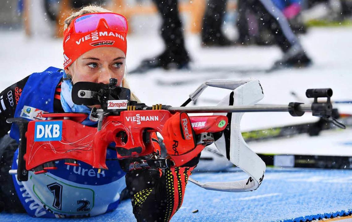 Maren Hammerschmidt konzentriert sich auch aufs Schießen.  | Foto: dpa