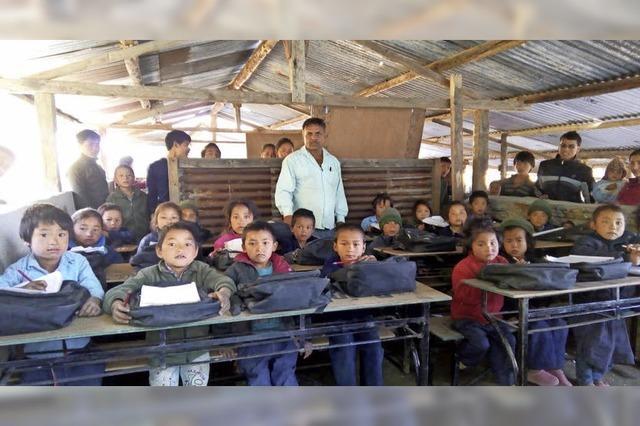 Hilfe für Schulen in Nepal kommt an