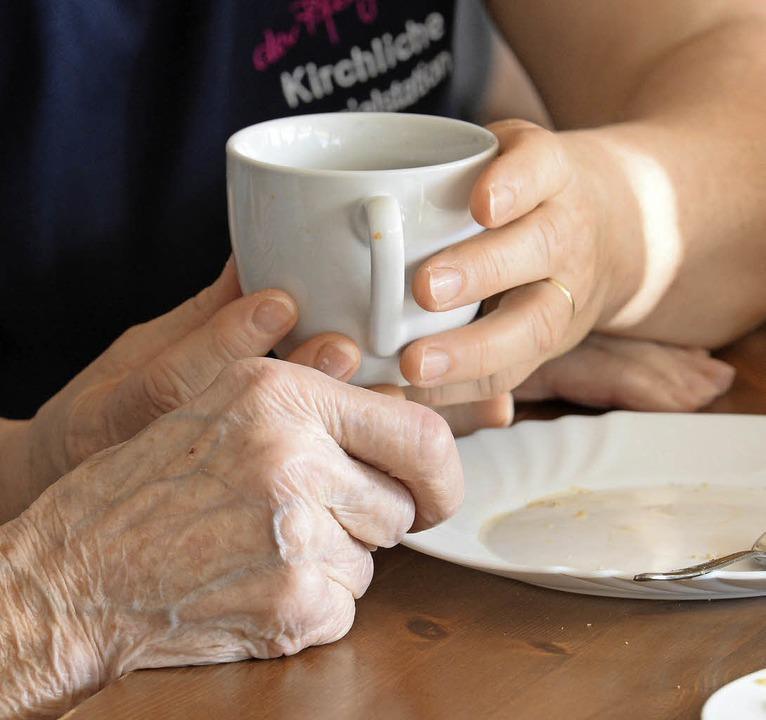 Mehr als nur frühstücken – beim ...h darum, sich menschlich zu begegnen.   | Foto: Patrick Seeger (dpa)