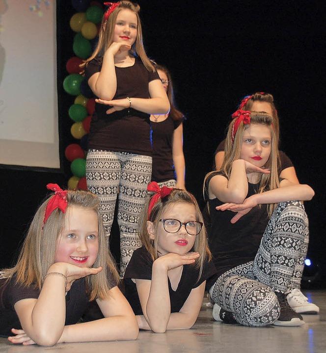 Flott getanzt: die Mädchen vom Turnverein  | Foto: Hildegard Siebold