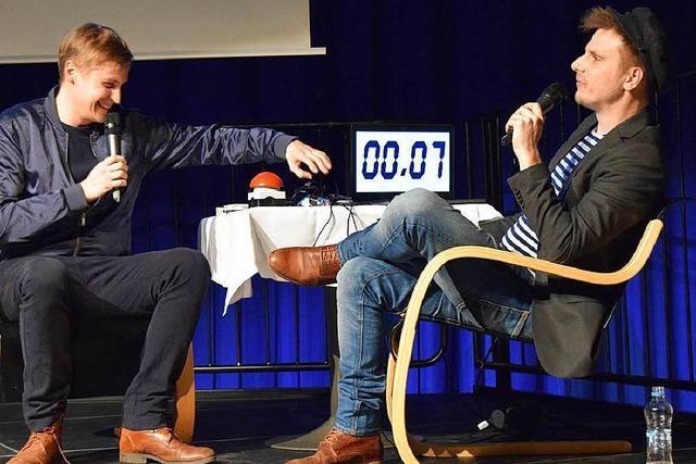 Burghof-Slam in Lörrach: Satire, die an Grenzen geht
