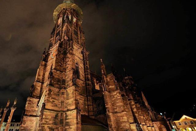 Warum das Münster schon wieder neue LED-Strahler bekommt