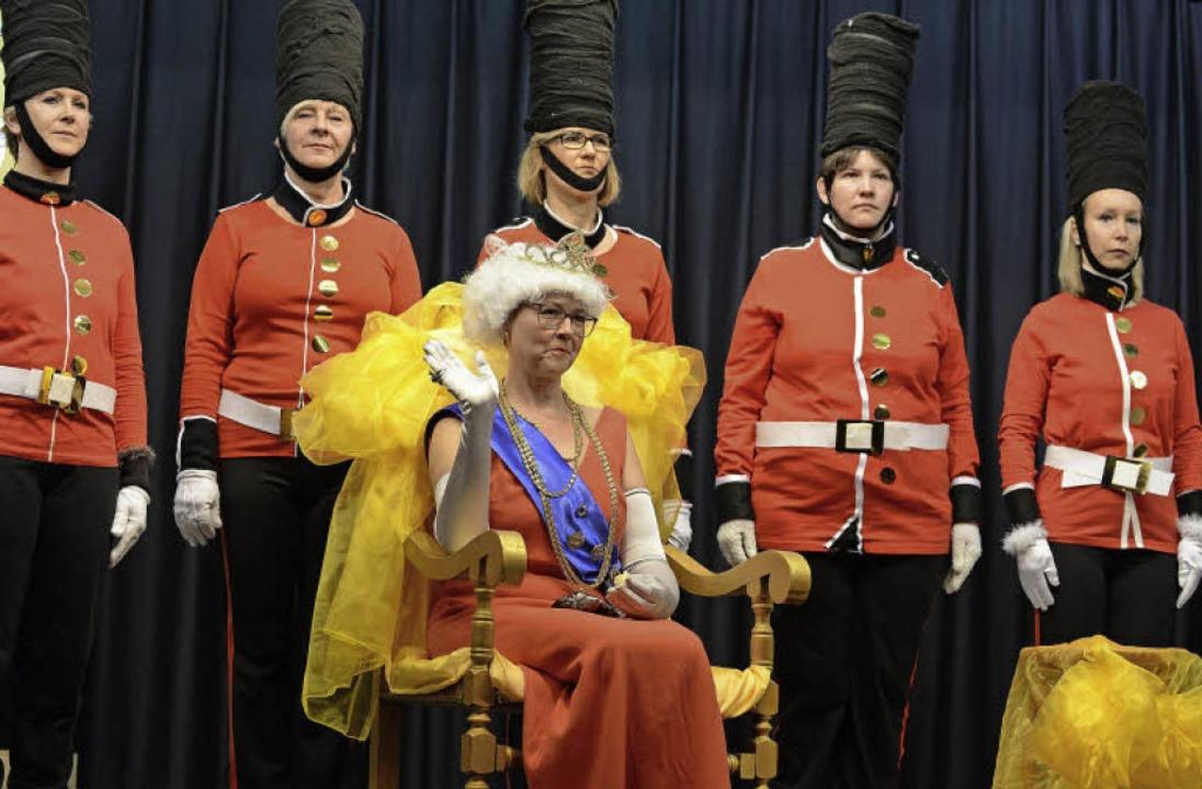 Allgegenwärtig war die Queen  bei der ...= Ortsvorsteherin) Petra Zimmermann .   | Foto: Rita Eggstein