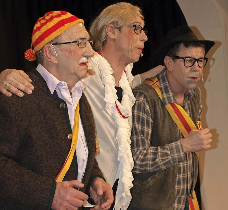 "Hansi Gempp, Stephan Vogt und  Andreas...ks) ""z'Hauge im Wald"".     Foto: Paul Schleer"