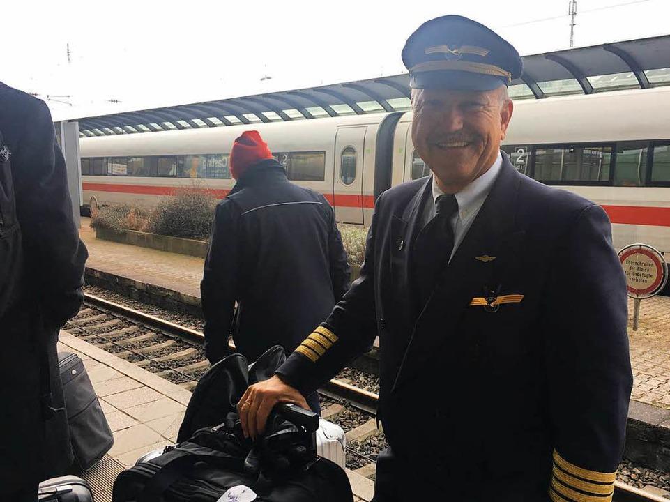 Lufthansa-Pilot Jochen Hoerle aus Kirchzarten kommt nicht aus Freiburg weg.  | Foto: Carolin Buchheim
