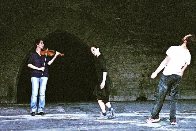 Bach-Partita getanzt - mit Anne Teresa de Keersmaeker und Boris Charmatz in der Reithalle Basel