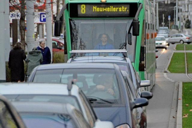 Tram 8 in Weil nach wie vor zu unpünktlich
