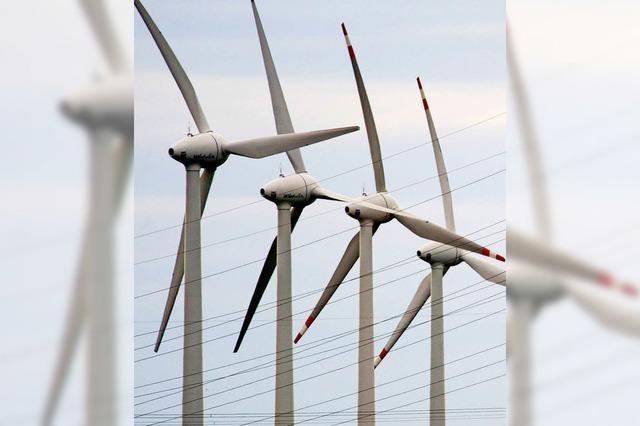 Vier Windräder auf dem Hohenlochen