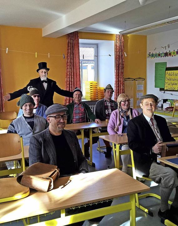 Ortschaftsrat Undingen mit Lehrer Rosewich    Foto: Christa Maier