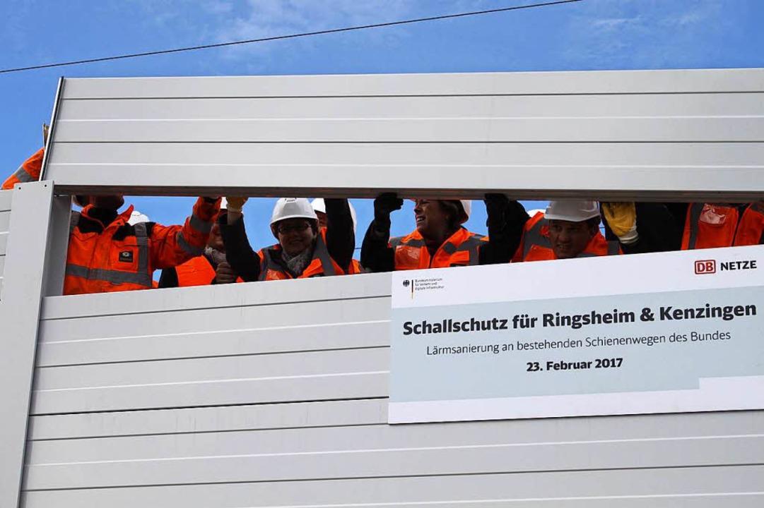 Die Politik fügte das letzte Stück in ...e Wölfle (MdL), Johannes Fechner (MdB)  | Foto: Adelbert Mutz
