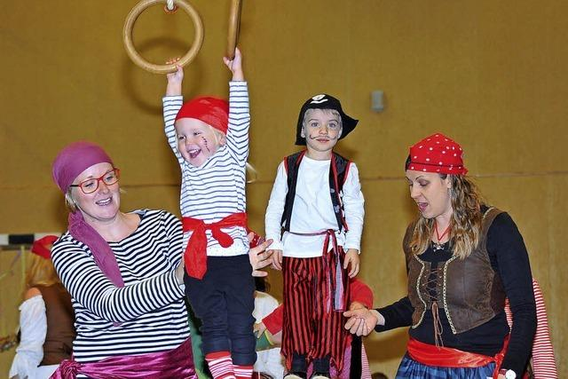 Piraten erobern die Turnhalle