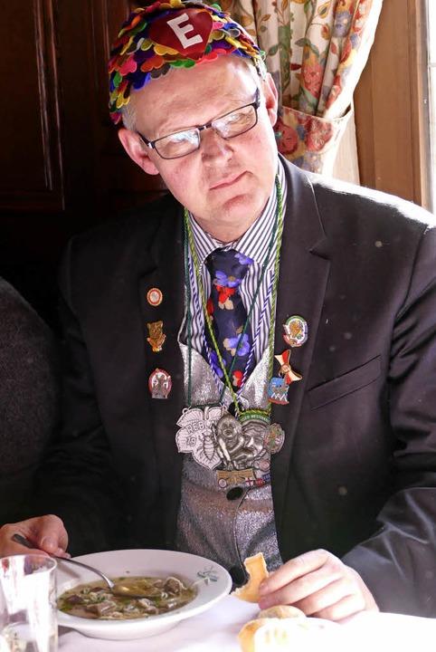 Ulrich von Kirchbach ließ sich sein Süppchen schmecken.    Foto: Susanne Ehmann