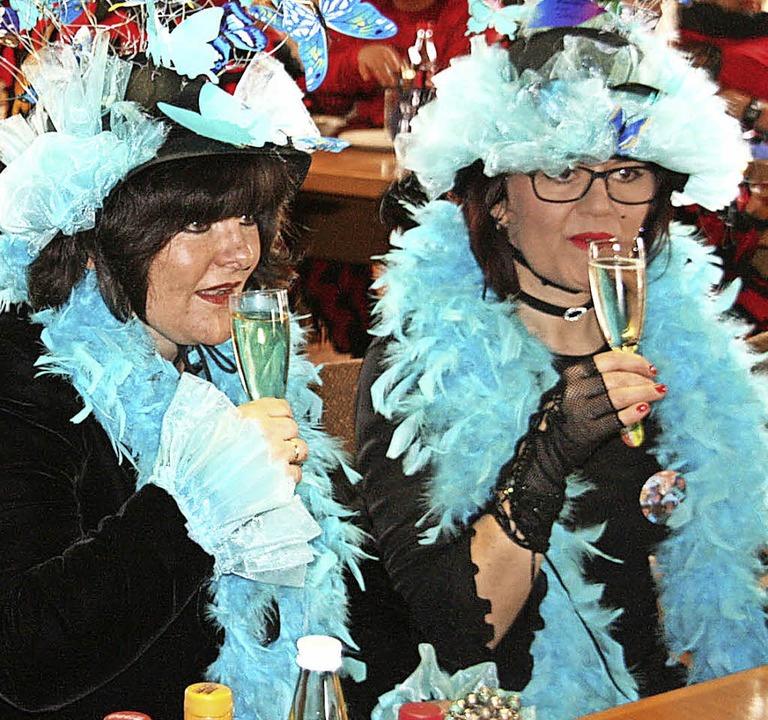Diese Damen brachten einen Hauch von Exotik in das Rathaus.    Foto: Schütz