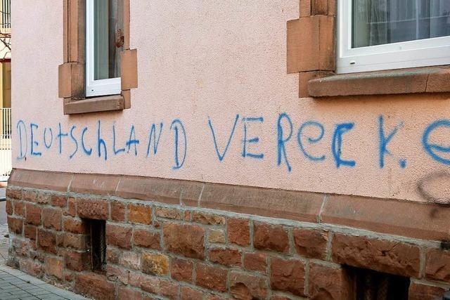 Graffiti: In Lahr beschmieren Unbekannte Hauswände