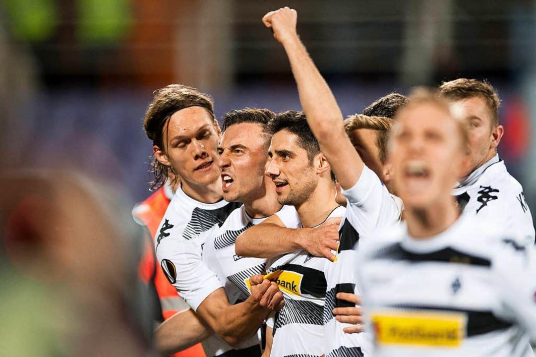Gladbach jubelt nach einer sensationellen Aufholjagd gegen Florenz.  | Foto: dpa