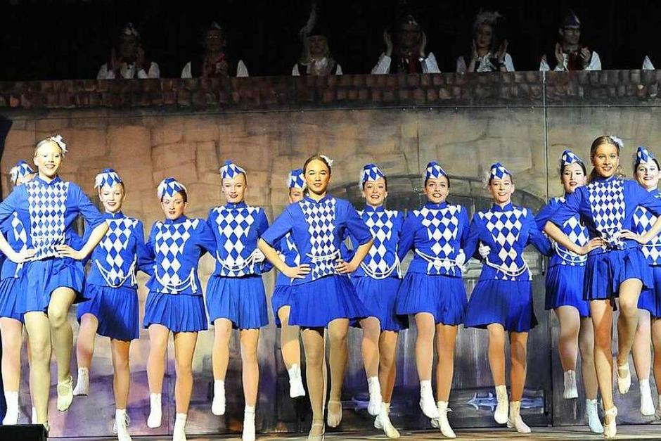 Die Zunftgarde unter Leitung von Kathrin Wimmer-Keil und den Ballett-Teens Melina Berger und Emilia Koch (Foto: Hans-Peter Müller)
