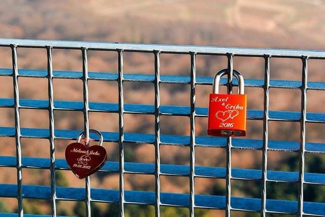 Liebesschlösser am Eichelspitzturm müssen entfernt werden